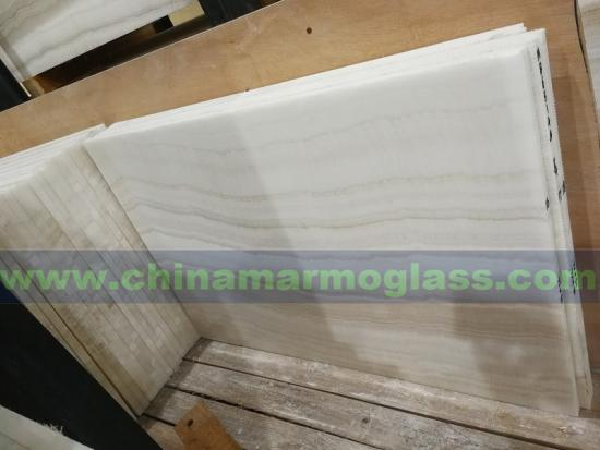 Wood Grain Wooden White Onyx Jade Slabs for Hotel Wall Decoration